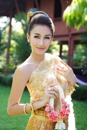 ทรงผมชุดไทย สวยมากๆ เลยนะ